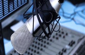 النجوم يتنافسون على ميكروفون الإذاعة في رمضان