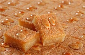 قلب اللوز.. حلوى رمضانية تتوارثها الأجيال في الجزائر| فيديو