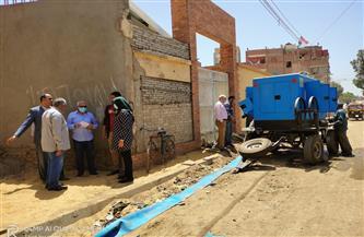 إصلاح أعطال الصرف الصحي في شارعي الجلاء القبلي ودنشواي في شبين الكوم| صور