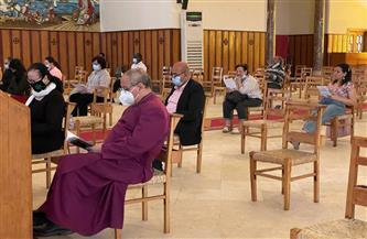 منير حنا يترأس صلوات الجمعة العظيمة بكاتدرائية جميع القديسين |صور