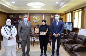 محافظ كفر الشيخ يكرم بطلة العالم والجمهورية في رفع الأثقال للمكفوفين |فيديو وصور