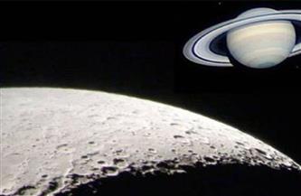انتظام القمر والمشتري وزحل في منظر بديع فجر غد