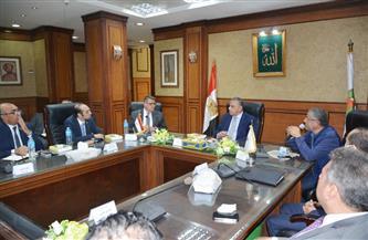 محافظ سوهاج يستعرض مع وفد برلماني تنفيذ مشروعات تطوير الريف المصري| صور