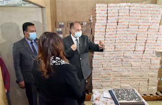 محافظ أسيوط يتفقد مخزن الأدوية الرئيسي بحي شرق   صور