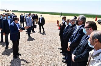 """الرئيس السيسي يلتقي عددا من رؤساء الشركات الزراعية في مشروع """"مستقبل مصر"""""""