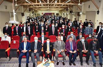 وزير الرياضة يناقش شباب الأسر والاتحادات الطلابية بمعهد إعداد القادة بحلوان