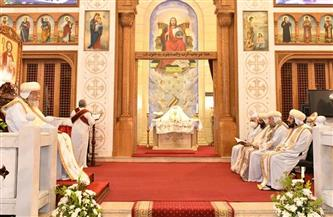 البابا تواضروس يصلي قداس اليوبيل الذهبي لكنيسة الملاك ميخائيل بالإسكندرية | صور