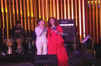 أصالة تفاجئ لينا شاماميان في  أولى حفلاتها بالأوبرا | صور
