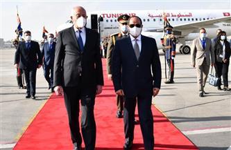 الرئيس السيسي يستقبل نظيره التونسي قيس سعيد بمطار القاهرة