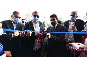 وزيرا الشباب والرياضة والقوى العاملة ومحافظ الشرقية يفتتحون ملعب كرة القدم بالأخيوة| صور