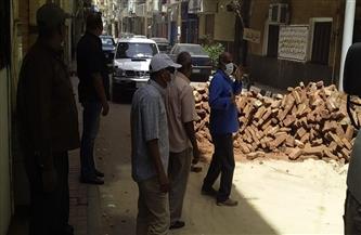 رئيس مدينة الأقصر يوقف أعمال بناء مخالف | صور