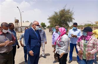محافظ قنا يتفقد مشروعات الأمن الغذائي بمنطقة المعنا | صور