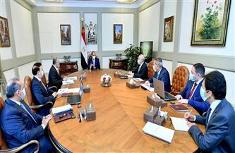 الرئيس السيسي يطلع على المبادرات الرئاسية التي يدعمها البنك المركزي