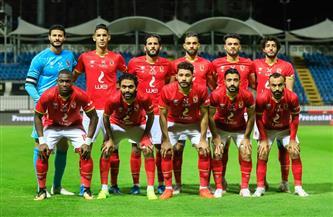 لاعبو الأهلي يتفقدون أرضية إستاد القاهرة