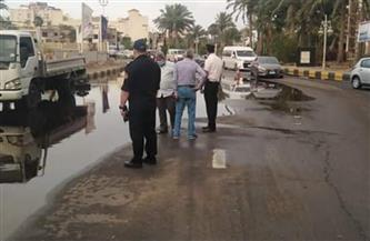 رئيس مدينة الغردقة يشرف على عمليات شفط مياه الأمطار  | صور