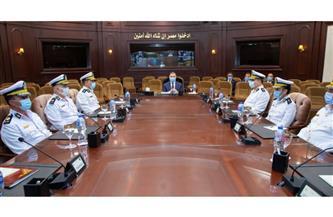 اجتماع وزير الداخلية بقيادات الوزارة لمتابعة إجراءات تأمين احتفالات المواطنين بعيد الفطر