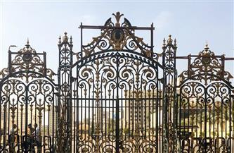 """""""السياحة والآثار"""": إعادة تركيب البوابة الخارجية للمتحف المصري بالتحرير"""