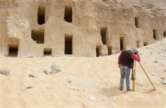 اكتشاف عدد من المقابر الصخرية بجبانة الحامدية شرق سوهاج | صور