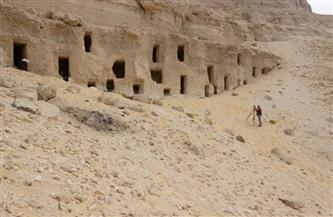 وزيري: النماذج المكتشفة للمقابر بجبانة الحامدية بشرق سوهاج ترجع لنهاية الدولة القديمة | صور