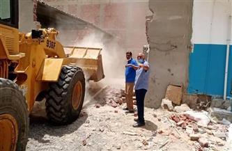 إزالة مبنى على  مساحة 150 مترًا من أملاك الدولة في الغردقة| صور