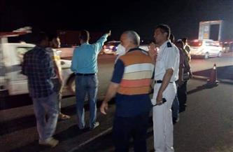 إعادة فتح الطريق الإقليمي بالمنوفية بعد رفع آثار حادث تصادم 3 سيارات | صور