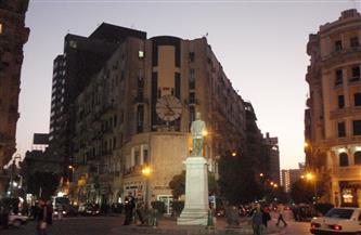 حملة ليلية لمنع التجمعات في شارعي قصر النيل وطلعت حرب