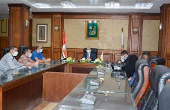 نائب محافظ سوهاج يتابع مقترحات المواطنين حول مشروع تطوير الريف المصري