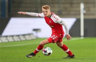 فرايبورج يجدد عقد مدافعه النمساوي لينهارت