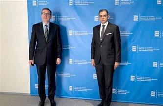 سفير مصر لدى فنلندا وإستونيا يلتقي وزير الاتصالات الإستوني