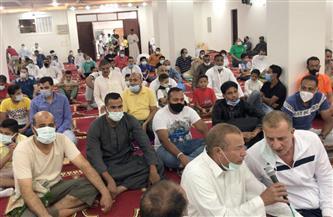 الآلاف يؤدون صلاة عيد الفطر بمساجد الغردقة وتزاحم شديد بمسجد الميناء| صور