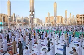 جموع المصلين يؤدون صلاة العيد في المسجد النبوي وسط إجراءات احترازية وتنظيمية