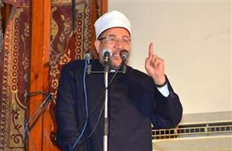 وزير الأوقاف يؤدي خطبة الجمعة بمسقط رأسه
