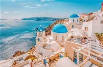 اليونان تفتح أبوابها أمام السياح.. والأمريكيون يتخلون عن الكمامة