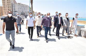 محافظ مطروح يتابع إغلاق الشواطئ في ثاني أيام العيد