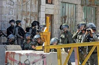 مستوطنون يهود يهاجمون بالرصاص منازل مقدسيين في سلوان ويحرقون عددًا من المركبات