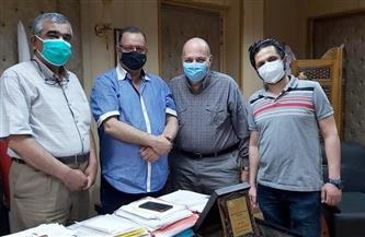 جولة لنقيب أطباء الدقهلية على المستشفيات لدعم الفريق الطبي وتهنئتهم