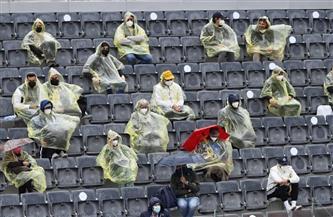 توقف مباراة دجوكوفيتش وتسيتسيباس في بطولة روما المفتوحة للتنس بسبب الأمطار