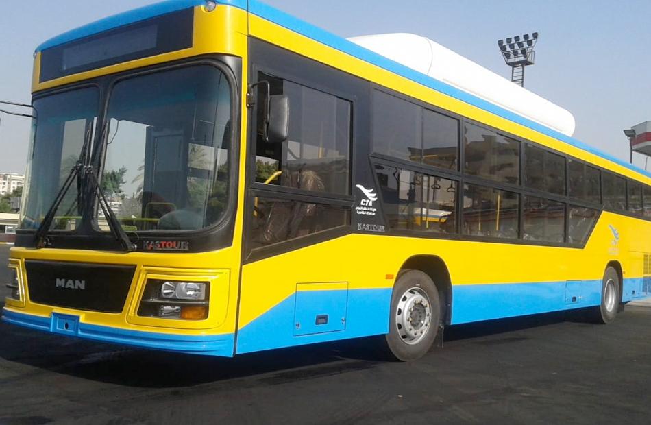 القاهرة تستبدل أسطول سيارات النقل العام بآخر يعمل بالغاز والكهرباء
