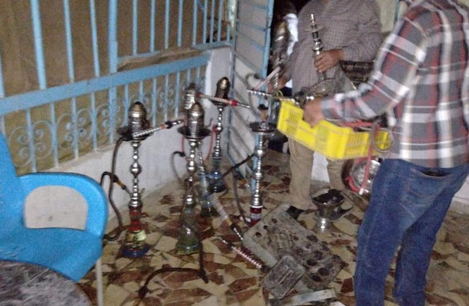 إغلاق  مقاه وضبط  مخالفات عدم ارتداء كمامة في حملة أمنية بسوهاج