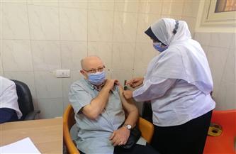 مكي يتفقد تطعيم المواطنين بلقاح كورونا بمستشفى المنصورة العام الجديد | صور