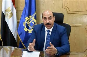 محافظ أسوان يتابع الاستعدادات لامتحانات الشهادة الإعدادية