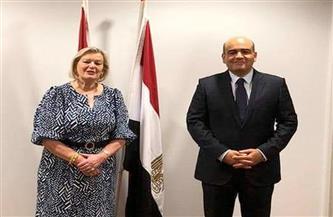 سفير مصر في لاهاي يناقش مع وزيرة الدولة الهولندية للهجرة آفاق التعاون بمجال الهجرة