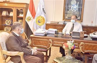 محافظ أسيوط يلتقي وكيل وزارة الري لمناقشة نسب تنفيذ المرحلة الأولى لتبطين الترع| صور