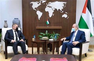 رئيس بعثة مصر في رام الله ينقل رسالة تضامن للأشقاء الفلسطينيين