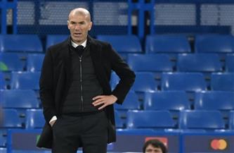 «زيدان» ينفي إبلاغ لاعبيه برحيله عن ريال مدريد