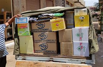 ضبط سيارة نقل محملة بـ 3500 عبوة مبيدات زراعية مجهولة المصدر في الحامول| صور