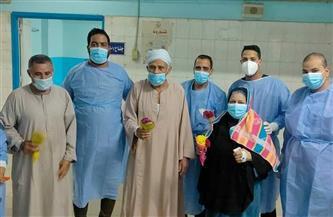تعافي وخروج 37 حالة من مصابي فيروس كورونا بمستشفى سوهاج العام | صور