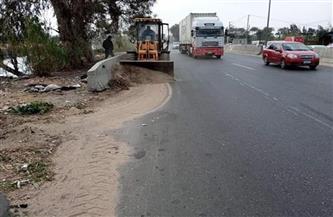 حملة لإزالة الأتربة والقمامة من الطرق الرئيسية والأنفاق بمدن القليوبية