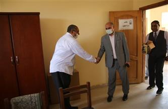 رئيس جامعة الأقصر يتفقد سير العملية التعليمية عقب انتهاء إجازة عيد الفطر | صور