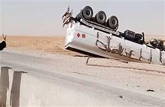 مصرع شخص وإصابة 12 في حادث انقلاب سيارة نقل بالسويس